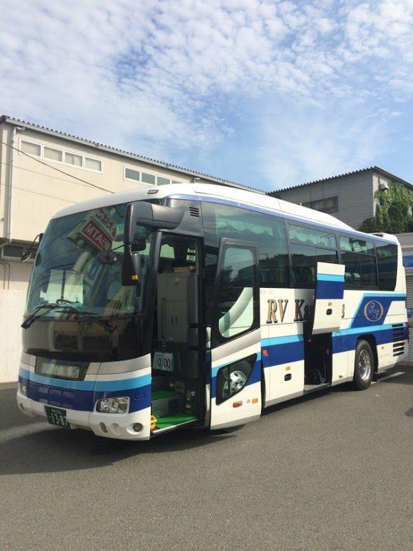 中型バス(サロン付き)