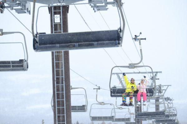 スキー・スノボは貸切バスで!