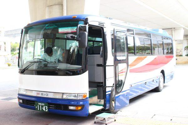 沖縄・貸切バス(ゆいバス)小型バス