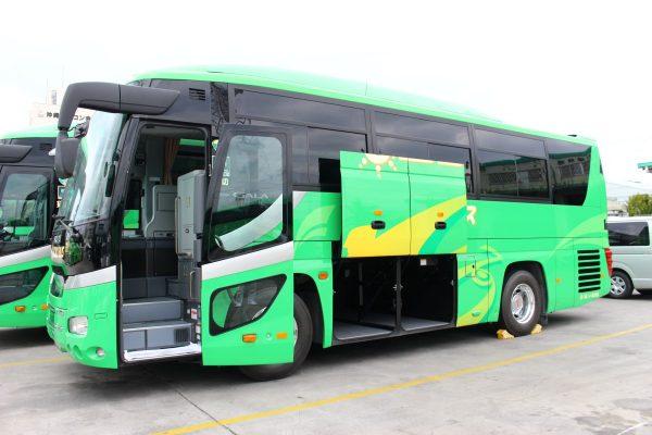 沖縄・貸切バス(おろくバス)中型バス・トランク