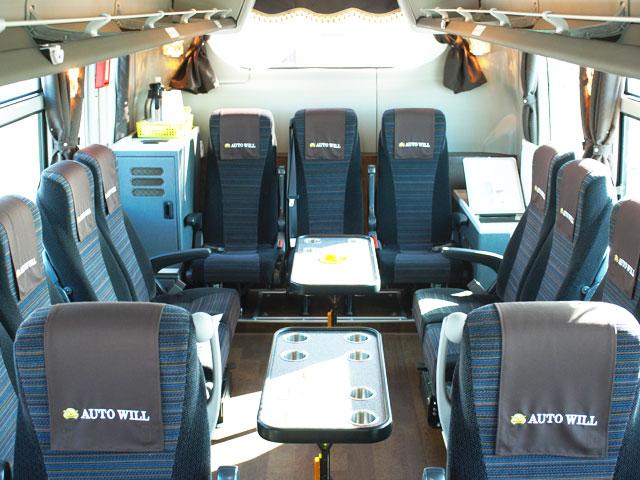 小型バス - サロン席