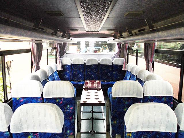 中型バス - サロン席