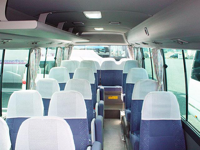 マイクロバス - 車内