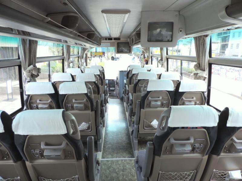 中型バス - 車内