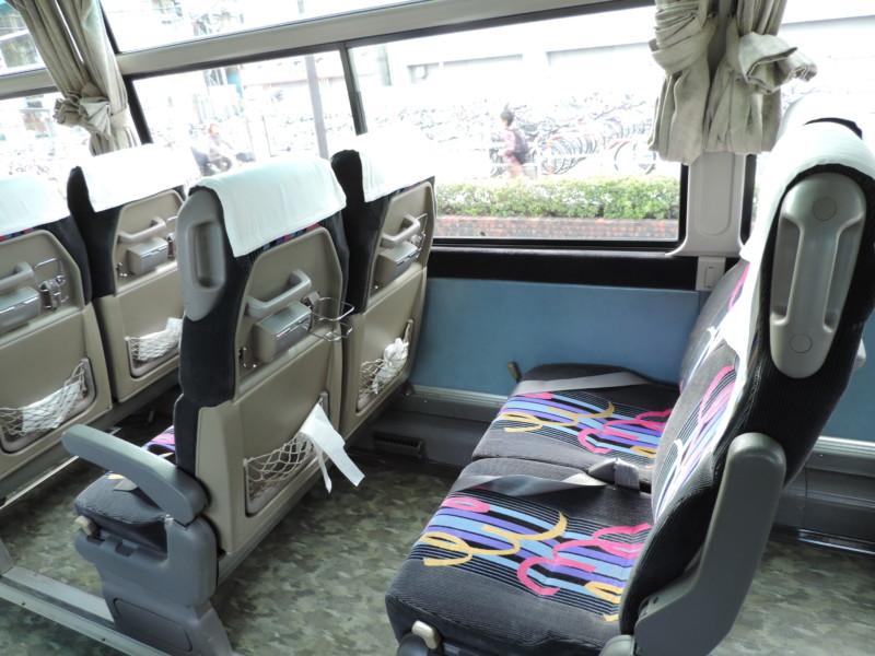 中型バス - 座席