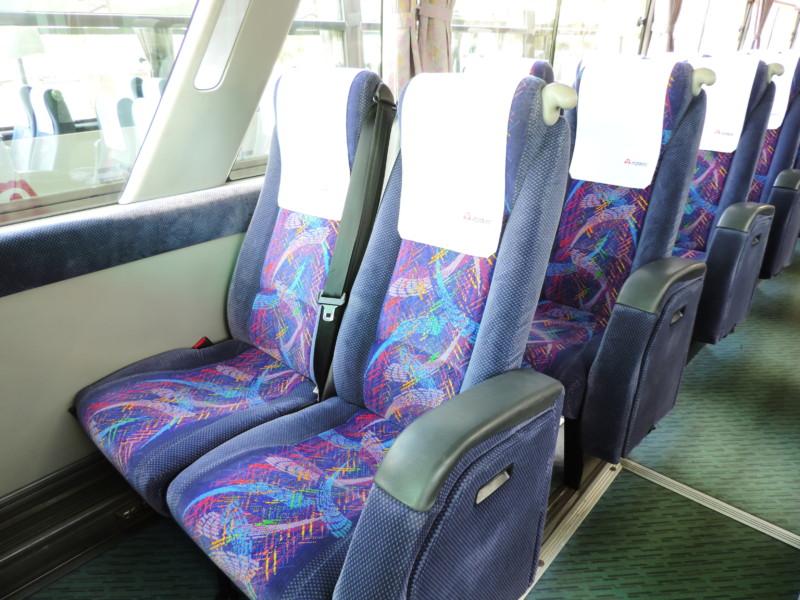 大型バス - 補助席クローズ時