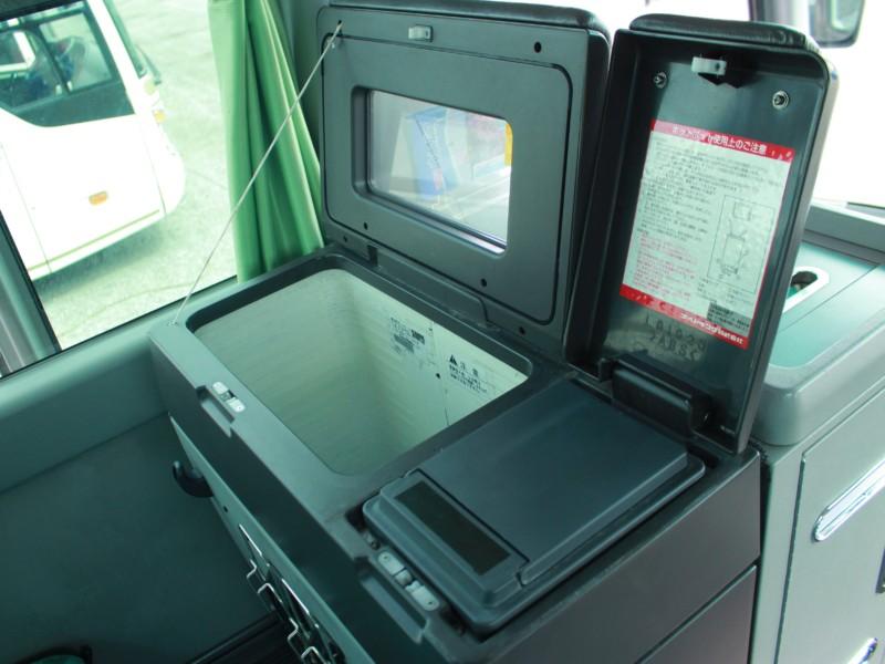 貸切バス - 冷蔵庫・ホットポット