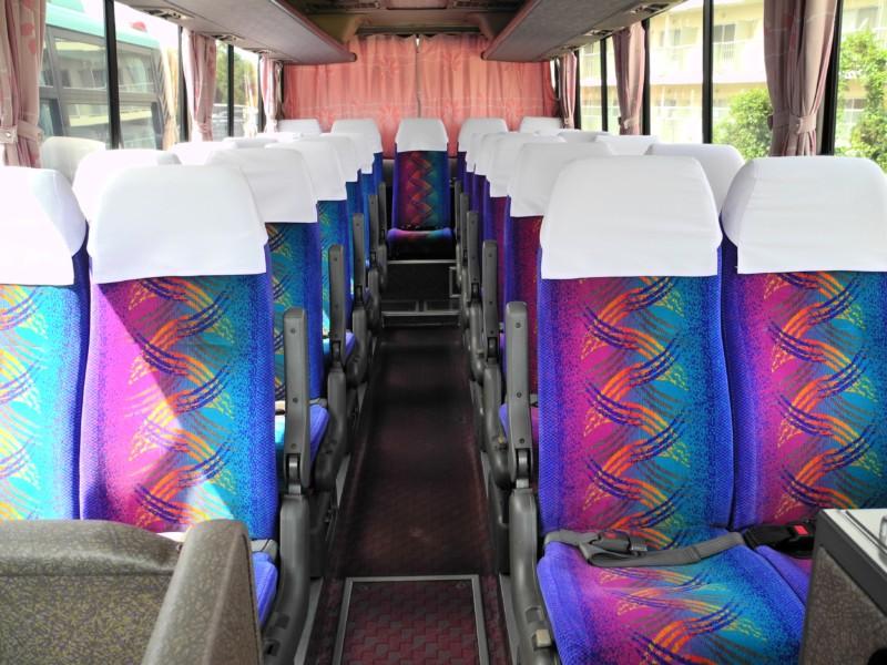 小型バス - 車内